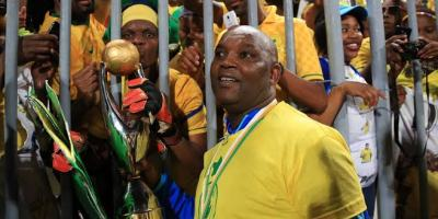 Pitso Mosimane with fans