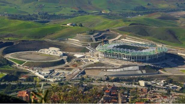 Stade Abdelkader Khalef